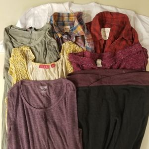 Lot of 8 Pieces Assorted Clothing Size M, L, XL